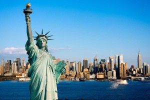 new-york-statua-della-liberta-small-Dollarphotoclub