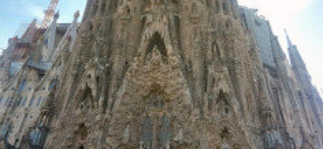 La Sagrada Familia, l'imponente Cattedrale di Gaudì